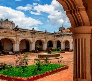 Tour-cultural-caminando-en-Antigua-Guatemala-cultural-walking-tour-in-antigua-guatemala-around-antigua-guatemala-v5