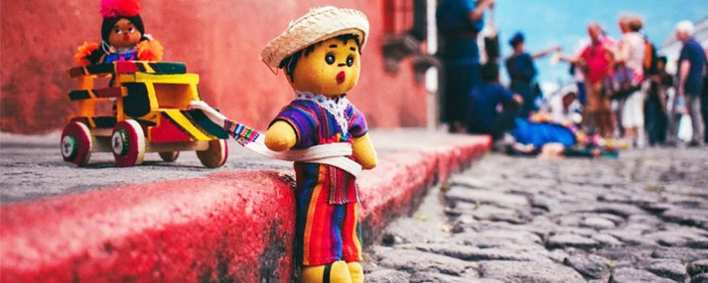 Artesanias-guatemaltecas-en-guatemala-around-antigua-guatemala