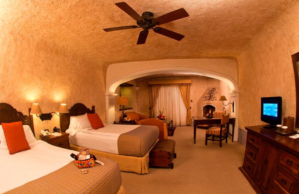 Best-Hotels-in-Antigua-Guatemala-booking-accommodation-Hospedaje-en-Antigua-Guatemala-mejores-hoteles-Around-Antigua-Guatemala-casa-santo-domingo-hotel-antigua-guatemala