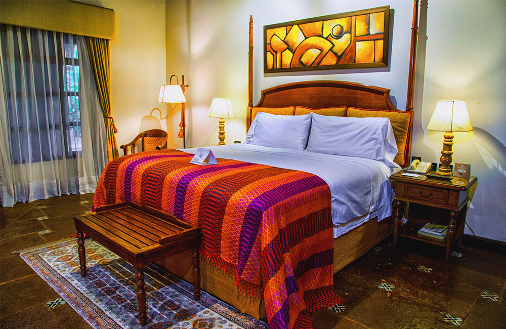 Best-Hotels-in-Antigua-Guatemala-booking-accommodation-Hospedaje-en-Antigua-Guatemala-mejores-hoteles-Around-Antigua-Guatemala-porta-hotel-antigua-guatemala
