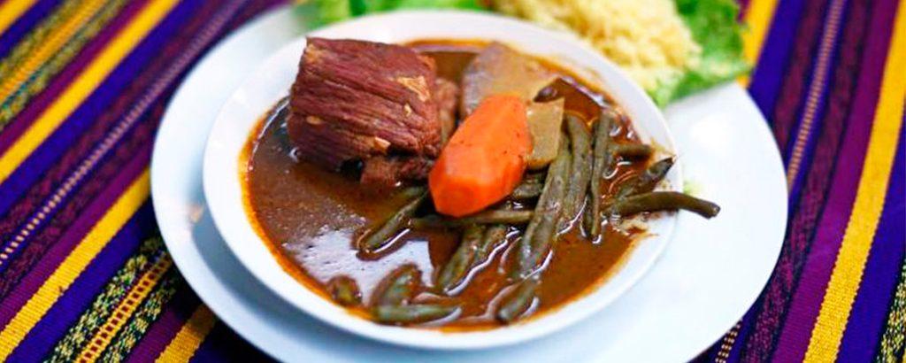 El-Sabor-de-mi-Guatemala-Antigua-Guatemala-comida-tipica-guatemalteca-comida-nacional-de-guatemala-Around-Antigua-Guatemala-v1