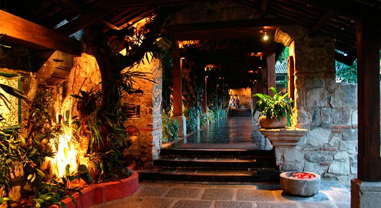 actividades-que-realizar-y-lugares-que-visitar-en-antigua-guatemala-en-epoca-de-lluvia-guatemala-around-antigua-guatemala-v3