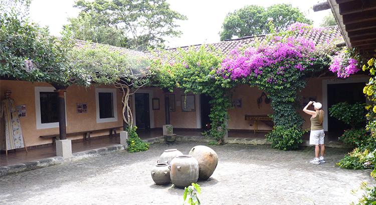 actividades-que-realizar-y-lugares-que-visitar-en-antigua-guatemala-en-epoca-de-lluvia-guatemala-around-antigua-guatemala-v5